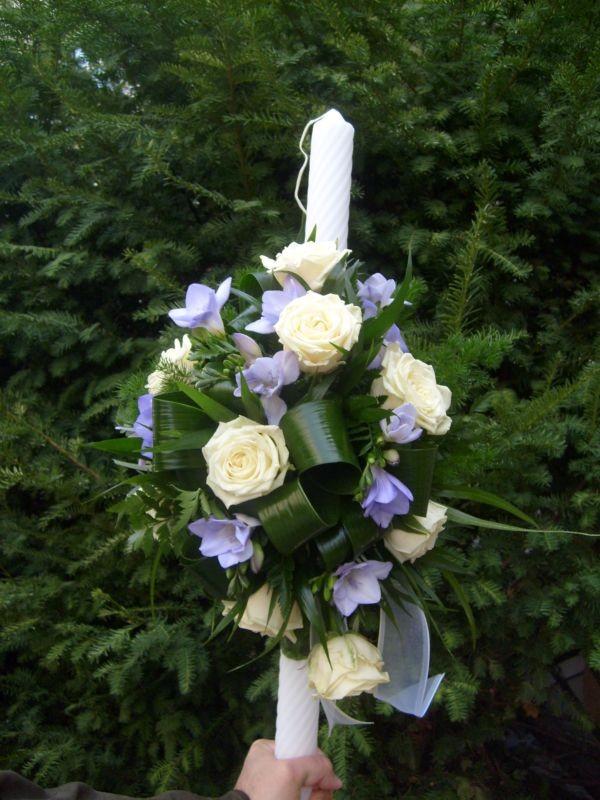 Lumanare Botez Frezie Lila Si Trandafir Alb Floraria Alcevaro Din