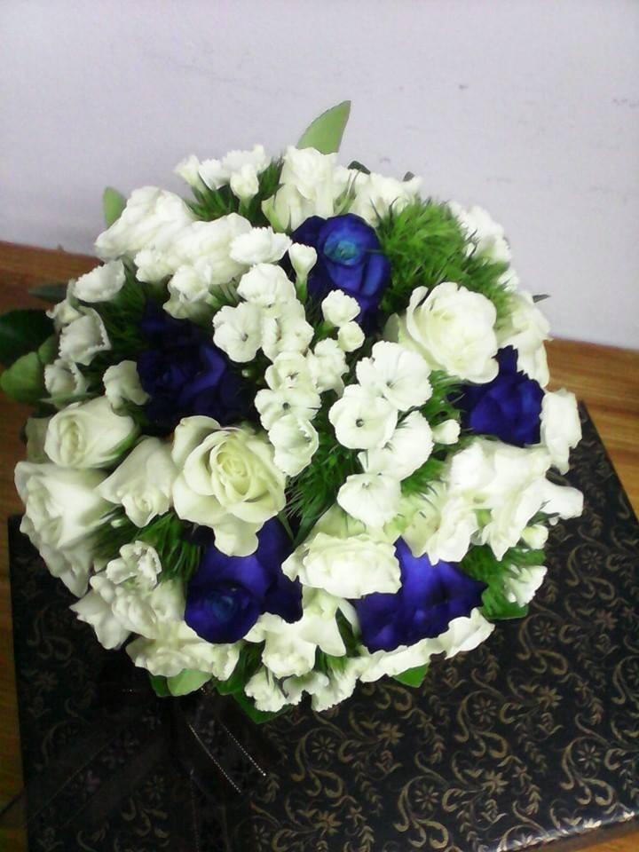 Buchet Trandafiri Albastri Floraria Alcevaro Din Pitesti
