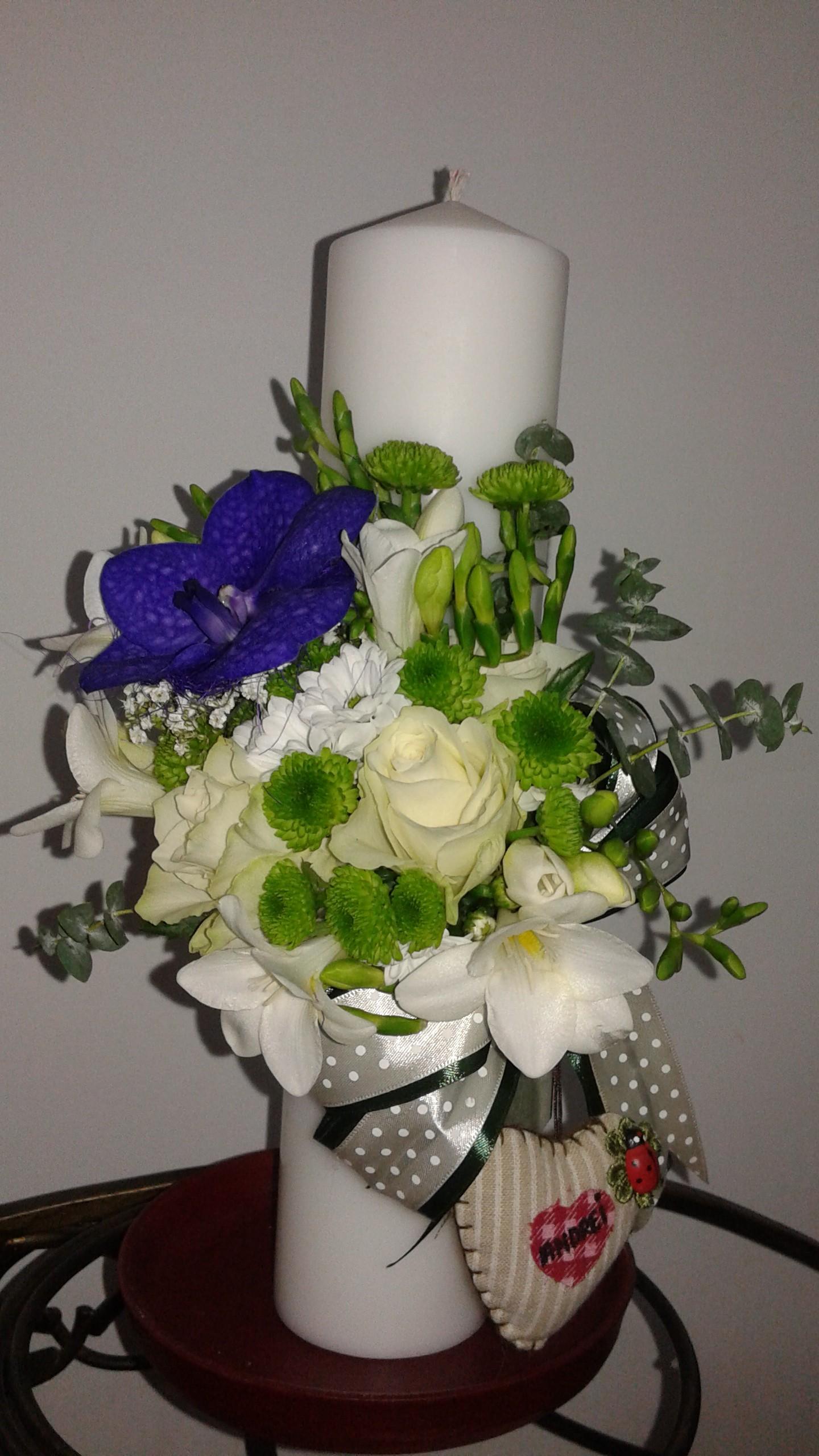 Lumanare Botez Cu Vandafrezie Trandafir Si Santini Floraria