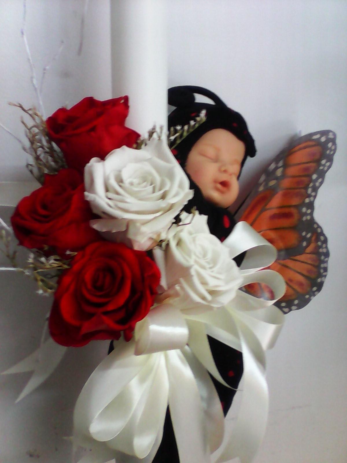 Lumanare Botez 5 Trandafiri Criogenati Cu Papusa Anne Gedes